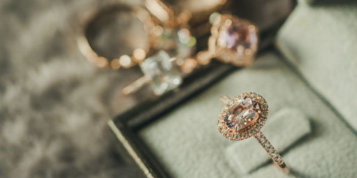 Vintage Style Rings Guide: Types & Occasions